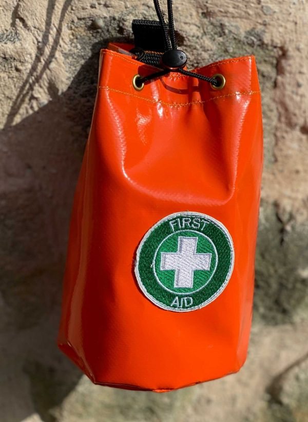 Pouch for tree climbers and foresters first aid supplies. Easily attached for a chainsaw operators personal first aid kit.